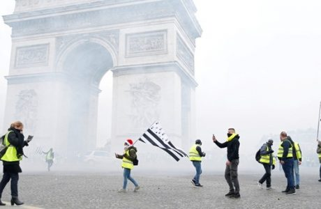 yellow-vests-in-fuel-protests